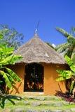 Gelbes Afrika-Bodenhaus Lizenzfreies Stockbild