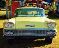 Gelbes Auto der Weinlese Stockfoto