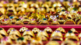Gelbes Goldringe Lizenzfreie Stockfotos