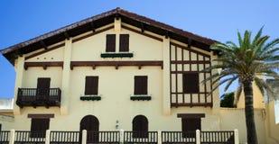 Gelbes Haus Stockfotografie