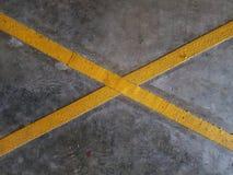 Gelbes Kreuz Stockbild