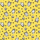 Gelbes nahtloses Muster mit Katzen mit Entwurf Lizenzfreie Stockfotografie
