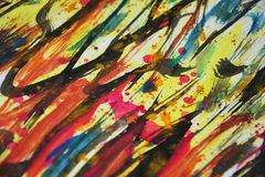 Gelbes rosa schwarzes Blau unscharfe Farben, Kontraste, kreativer Hintergrund der wächsernen Farbe Lizenzfreie Stockfotos