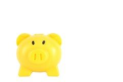 Gelbes Sparschwein herein lokalisiert auf weißem Hintergrund, Beschneidungspfad Lizenzfreies Stockfoto