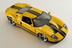 Gelbes Sportauto Lizenzfreies Stockfoto