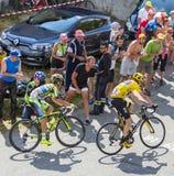 Gelbes Trikot auf Col. du Glandon - Tour de France 2015 Lizenzfreie Stockbilder