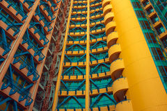 Gelbes und blaues Gebäude Lizenzfreies Stockfoto