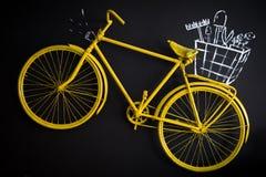 Gelbes Weinlese-Art-Fahrrad Stockbild