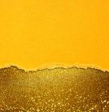 Gelbes Weinlesepapier über bokeh Funkeln beleuchtet Hintergrund Lizenzfreies Stockbild