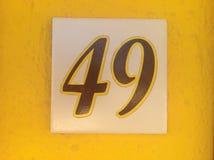 Gelbes Zeichen 49 stockfoto