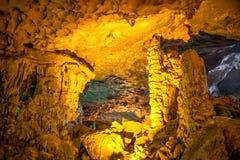 Gelbmuster Thien Cung Cave Heavenly Palace Cave Lizenzfreie Stockfotografie