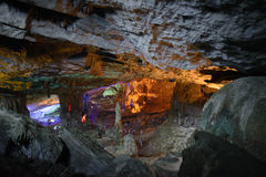 Gelbmuster Thien Cung Cave Heavenly Palace Cave Stockbilder