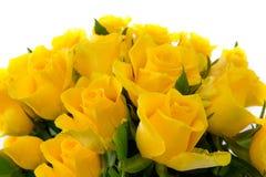 Gelbrosenblumenstrauß lokalisiert lizenzfreie stockbilder