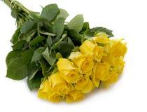 Gelbrosenblumenstrauß lokalisiert stockfotos
