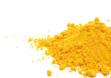 Gelbwurzpulver auf weißem Hintergrund Stockbild