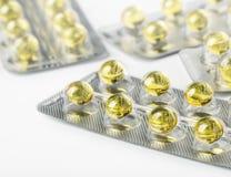 Gelcapsules op wit worden geïsoleerd dat Royalty-vrije Stock Fotografie