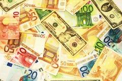 Geld allen rond Royalty-vrije Stock Foto's