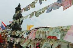 Geld auf den Seilen Lizenzfreies Stockbild