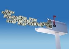 Geld in brievenbus Stock Afbeeldingen