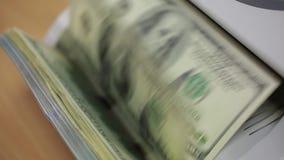 Geld, das Maschine zählt stock footage