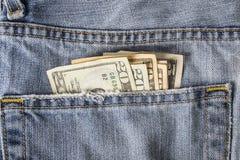 Geld in der Gesäßtasche Stockfoto