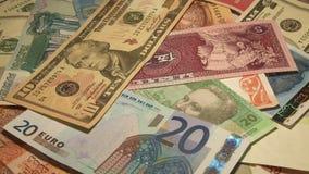 Geld der Welt stock video