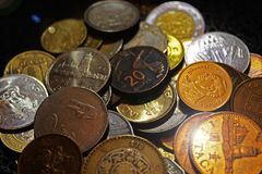 Geld der Welt, Länder, Münzen, Reichtum, Werte, Indien, Aserbaidschan, Mexiko, Russland, Tourismus, Reise, Finanzierung, Geschäft lizenzfreies stockfoto