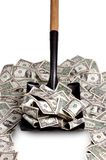 Geld durch die Schaufel voll Lizenzfreie Stockfotos