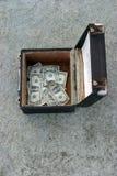 Geld in een doos royalty-vrije stock fotografie