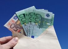 Geld in een Envelop royalty-vrije stock afbeelding