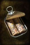 Geld in een tinblik. Royalty-vrije Stock Afbeeldingen
