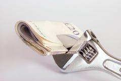 Geld in einem Schlüssel Lizenzfreie Stockfotos