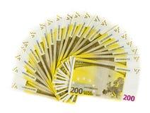 Geld 200 euro bankbiljet dat op witte achtergrond wordt geïsoleerd Stock Fotografie