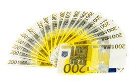Geld 200 euro bankbiljet dat op witte achtergrond wordt geïsoleerd Stock Foto's