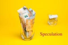 Geld in euro nota's en muntstukken royalty-vrije stock foto's