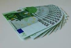 Geld, euro, schip, contant geld, rekeningen Stock Afbeeldingen