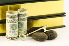 Geld für Bildung ist ein strategischer Schlüssel in felsige Zeiten stockbild