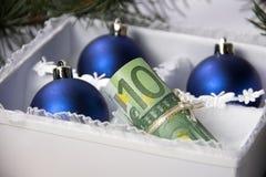 Geld für Weihnachten Lizenzfreie Stockbilder