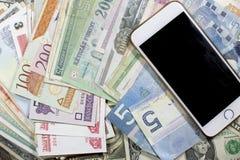 Geld, kaartjes en beweging van contant geld stock fotografie