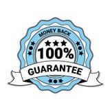 Geld-Rückseite mit 100 Prozent-Garantie-Emblem-blauer Medaille mit dem Band lokalisiert Stockfotos