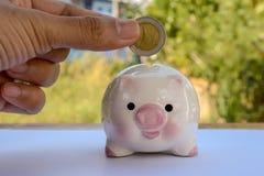 Geld sparend, speichern Sie Geldeinsparungskonzept stockfotos