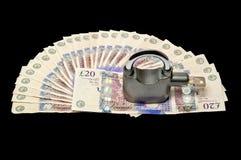 Geld und Vorhängeschloß - Sicherheitskonzept 02 | lizenzfreie stockfotos