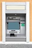 Geldautomat in der Wand Lizenzfreies Stockfoto