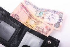 Geldbörse mit Emirat-Dirham stockfotos