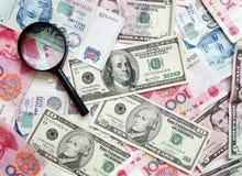 Geldbargeld-Konzepthintergrund Stockfotos