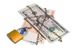 Gelddollar und -euro verkettet in einer Kette. Lizenzfreie Stockfotografie
