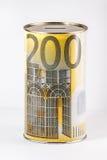 Geldeinsparung kann mit Euroauslegung Stockbild