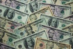 Geldhintergrund - Dollar, amerikanische Rechnungen Lizenzfreies Stockfoto