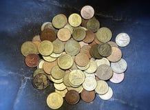 Geldmünzenrechnungs-Bargeldschmatz von Thailand Stockfotos