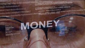 Geldtext auf Hintergrund des Entwicklers stock video footage